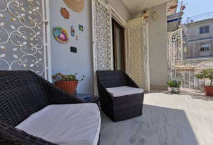 CAMALDOLILLI (CAMALDOLI) - Apartment 4 rooms in residential park with parking space. Excellent maintenance conditions