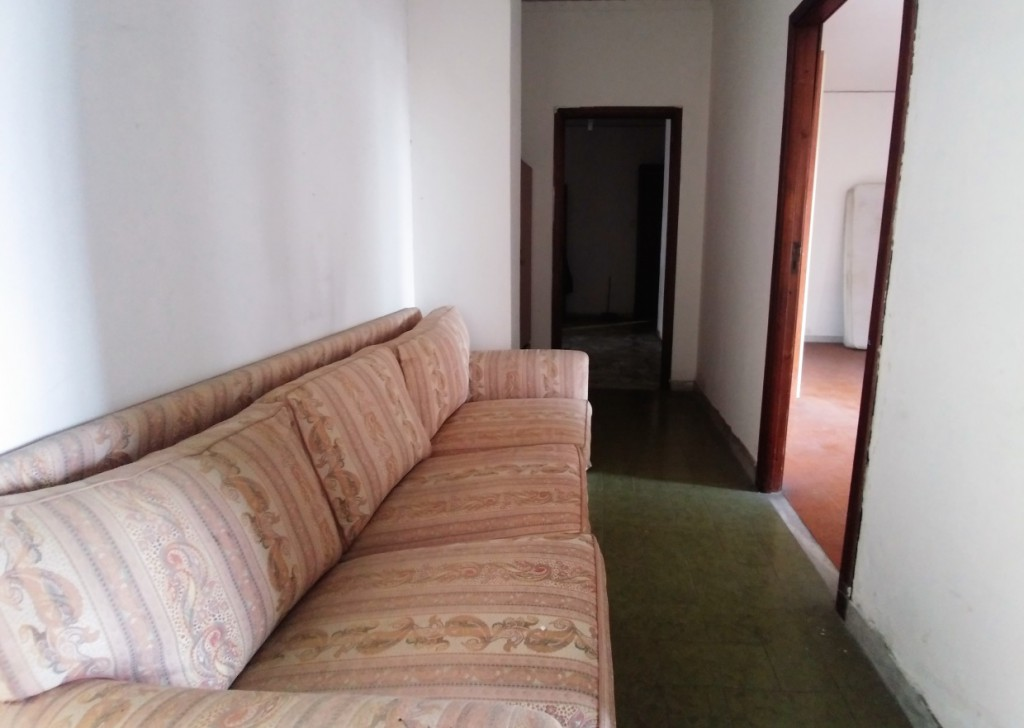 Sale Apartments Napoli - Apartment for sale of 4 rooms and double accessories Locality
